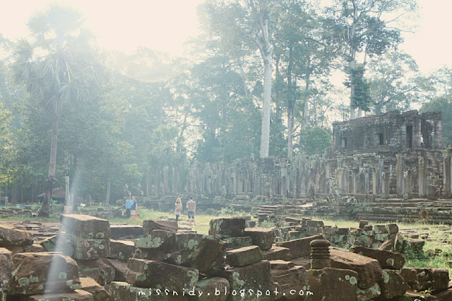 explore bayon temple