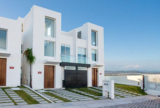 Fachadas minimalistas for Fachadas de casas con ventanas blancas