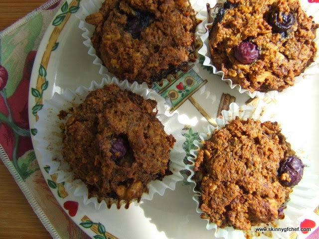 Try this Super muffin recipe made with gluten free oat flour, carrots, chia and blueberries. All the things you want for breakfast in a muffin!
