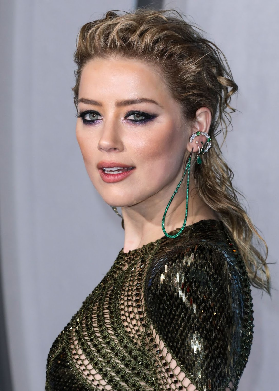 Amber Heard slays at the Aquaman premiere in LA