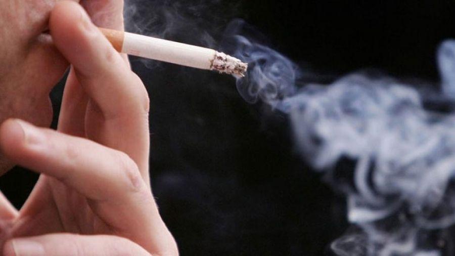 """ΣτΕ: """"Φρένο"""" στο κάπνισμα σε κέντρα διασκέδασης και καζίνο"""