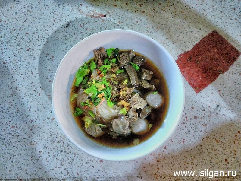Beef noodle soup. Остров Ко Чанг. Таиланд