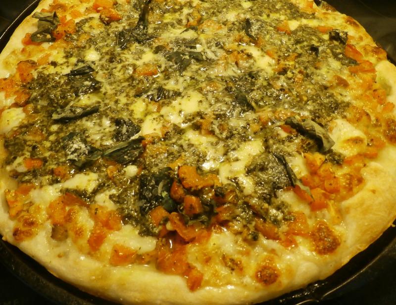 Sam 39 S Place Fresh Tomato And Pesto Pizza