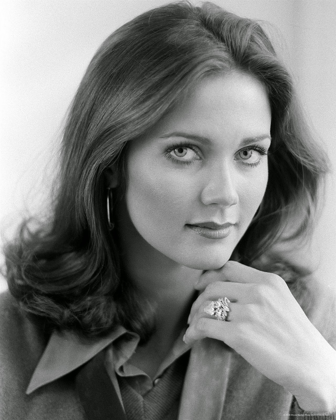 The Cathode Ray Mission: Femme Fatale Friday: Lynda Carter