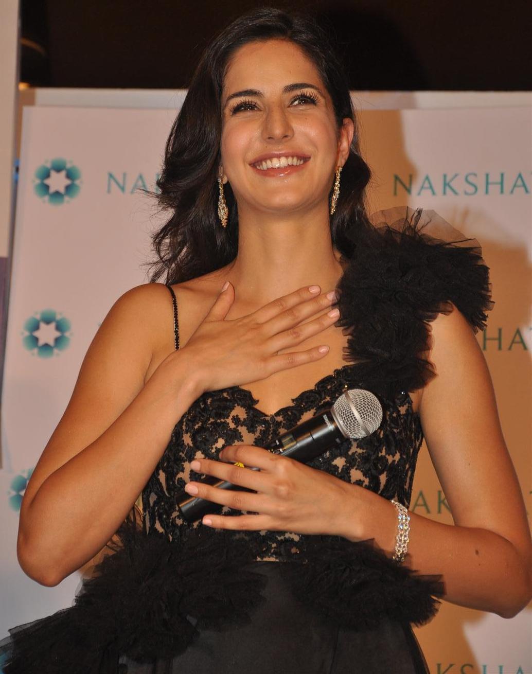 Hot Bollywood Actress Katrina Kaif Photos, Pics, Images