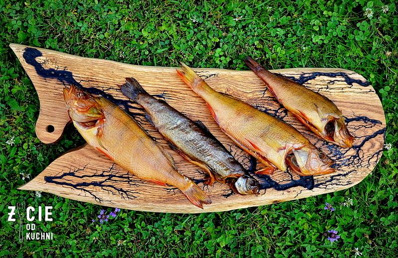 wedzona ryba, salatka z ryba, przepisy na salatki, pstrag, wedzenie ryb, okon wedzony, okon,, zycie od kuchni,