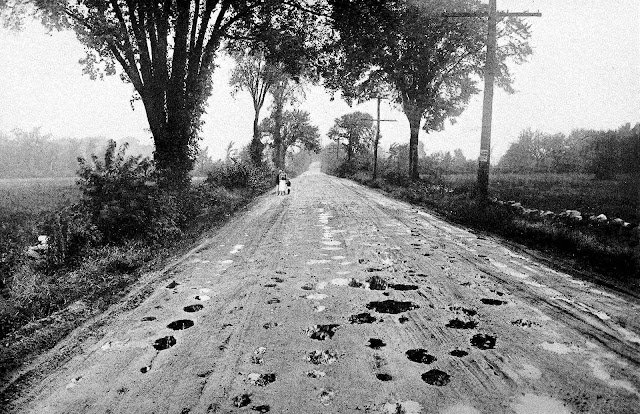 1919 country road photograph