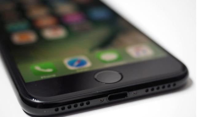 penyebab-masalah-pada-iphone-6-diduga-dari-penggunaan-charger-yang-tidak-asli