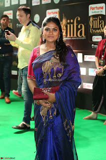 Nirosha Ramki and Sister Radhika Sarathkumar in Saree at IIFA Utsavam Awards 2017 Exclusive Pics