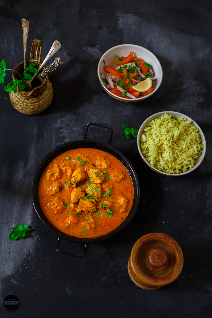 Mauritian Gateaux Piment Curry hails from the beautiful island Mauritius, also known as Chilli Fritters Curry or Cari Bari.  In this spicy and flavourful curry, Mauritian Split Chana Daal fritters are gently simmered in a spicy and creamy sauce.