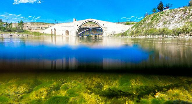 Artukluların şaheseri Malabadi Köprüsü dimdik ayakta