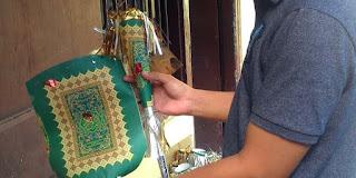 Aparat Polresta Pekalongan menemukan ratusan terompet berbahan sampul Al-Quran dari sejumlah minimarket