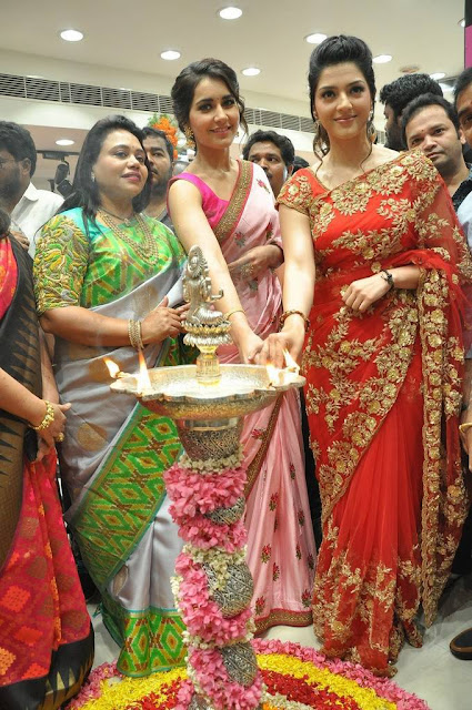 Raashi-Khanna-Mehrene-lit-lamp-KLM-Fashion-Mall-Launch7