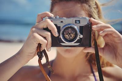 Pilih kamera atau hp untuk traveling