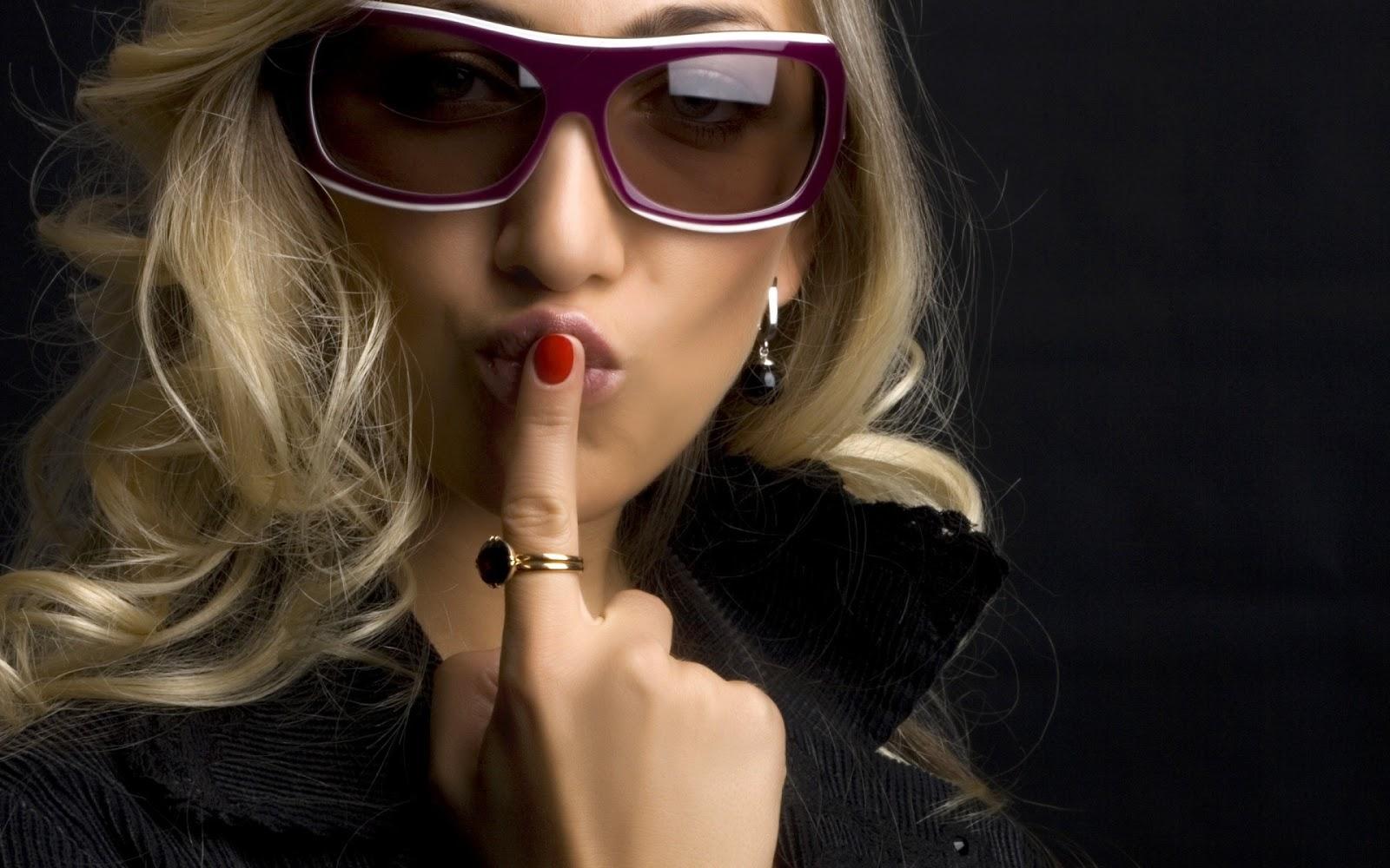 Gwen Stefani Hot HD Wallpapers ~ Nine Galleries гвен стефани