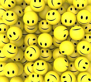 Bolas-amarelas-de-emoticons-sorrindo