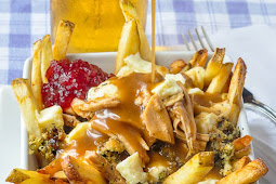 TURKEY POUTINE – THE ULTIMATE CHRISTMAS OR THANKSGIVING TURKEY LEFTOVERS!