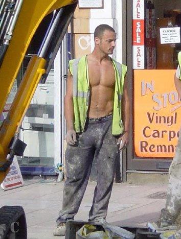 Pedreiros mestre de obras pelado 2