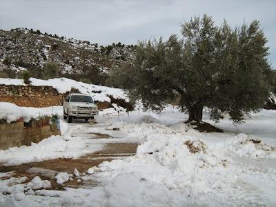 clima, Beceite, nieve, frío, nevada, está nevando, Beseit, neu, Tomás Excavaciones, excavaciones, Matarraña, L200, Mitsubishi L200, pickup