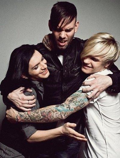 Foto de Placebo demostrándose afecto