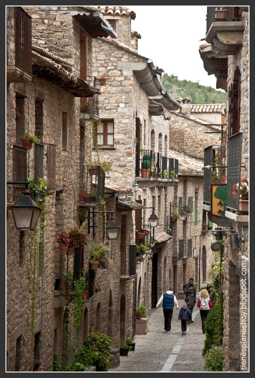 Ansa pueblo medieval en el Pirineo Aragons  Tienes