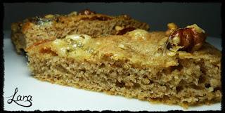 http://cucinaconlara.blogspot.it/2017/01/focaccia-integrale-con-noci-e-gorgonzola.html