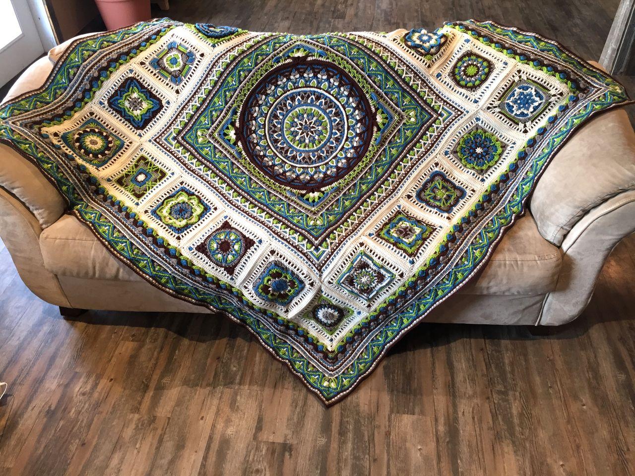 Labyrinth Mandala Blanket (overlay crochet)