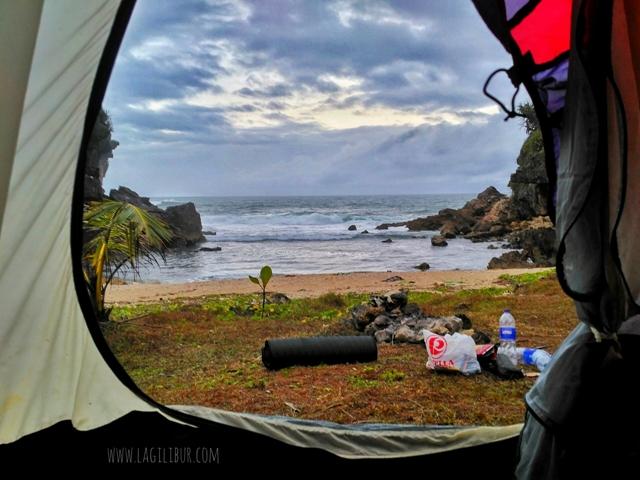 Buka Tenda Langsung Lihat Pantai Torohudan