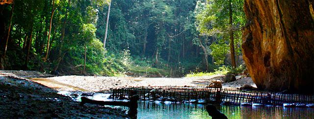 Tham Lod Cave Soppong North Thailand