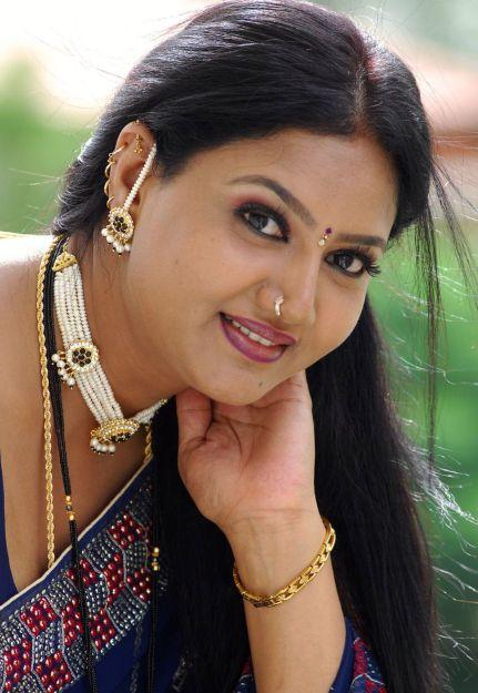 Actress Raksha Awesome Saree Hd Stills Beautiful Indian -4607