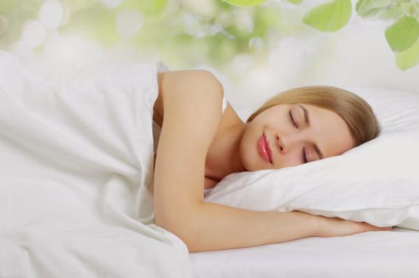 Ngủ sớm và thức dậy sớm khiến da ngày càng khỏe đẹp