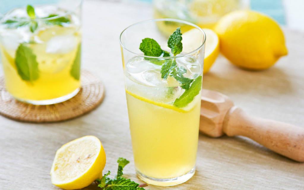 Resep Cara Membuat Minuman Es Lemon Tea Segar Dan Menyegarkan