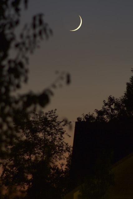 crescent moon f/5