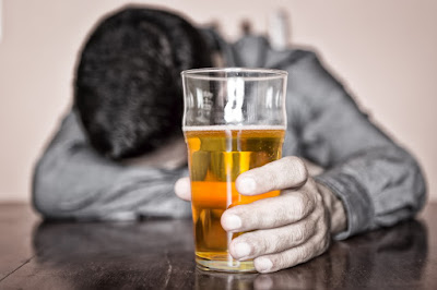 6 Indicators You Are Drinking Too Much Alcohol