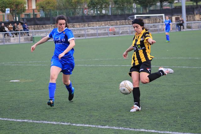Imagen del partido del Barakaldo CF con el Tolosa
