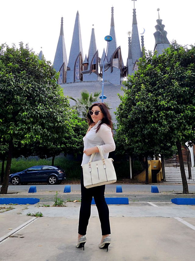 pilar-bernal-maya-blogger-journalist-spain