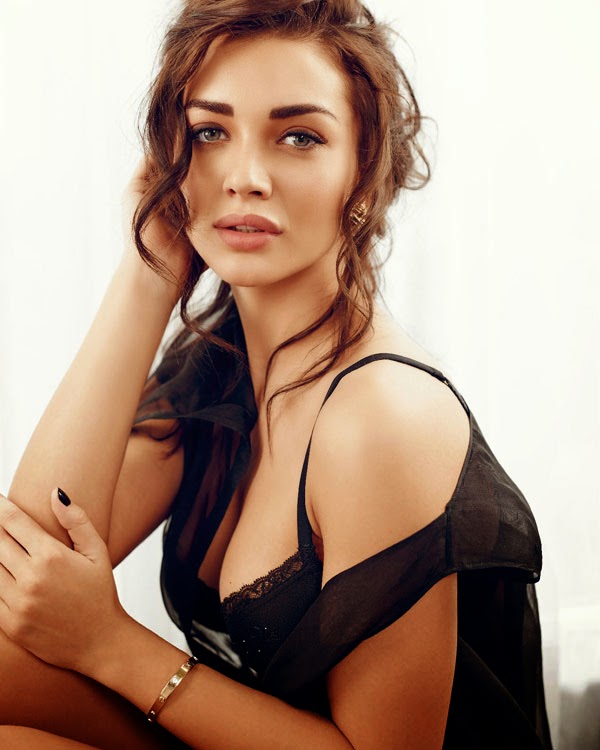 Actress Stills: Amy Jackson Hot Photoshoot For Maxim India