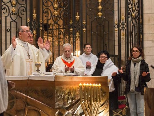 première communion cathédrale de Sens
