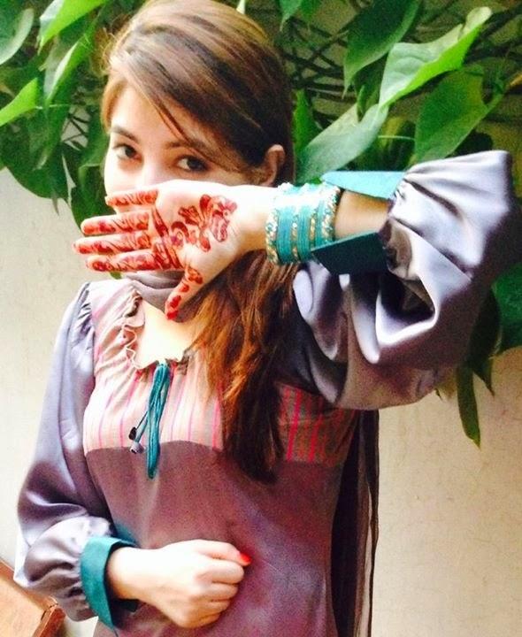 Pashto Hot Mujra: Gul Panra New Hot Dance Songs 2014