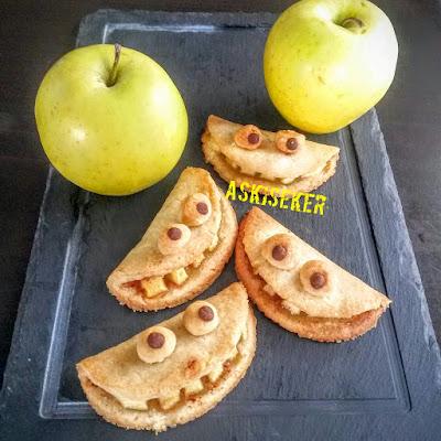 Canavar ya da gülen surat Elmalı Kurabiye tarifi nasıl yapılır videolu kolay lezzetli nefis kurabiye tatlı yemek tarifleri