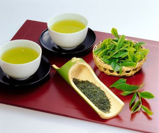 Mẹo chữa mụn cơm bằng Trà xanh