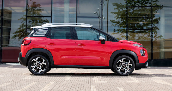 Citroen C3 Aircross in profile