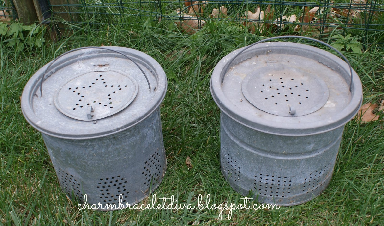 Our hopeful home diy holiday greens mistletoe for Galvanized well bucket