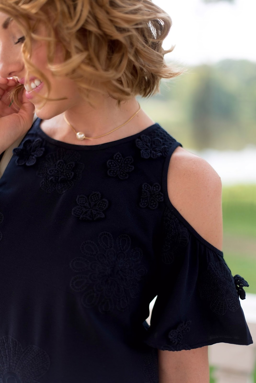 Navy Dress - Click through to see the full styling on Something Delightful Blog!