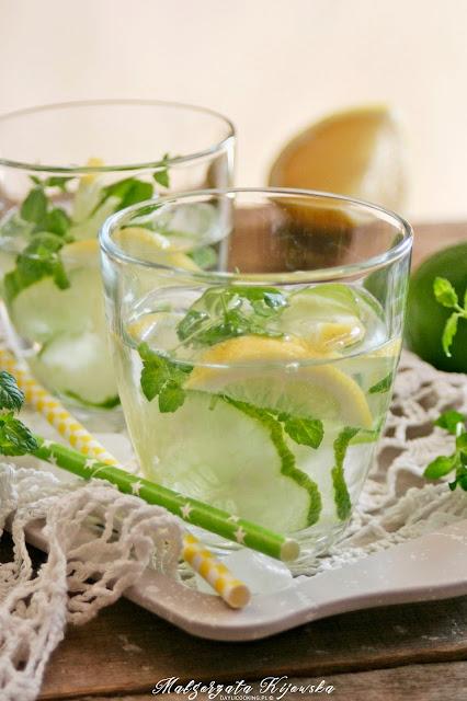 napój orzeźwiający na lato, napoje na upały, ogórkowe, ogórkowy napój, z ogórka, z miętą, z cytryną, cytrynowy, daylicooking, Małgorzata Kijowska
