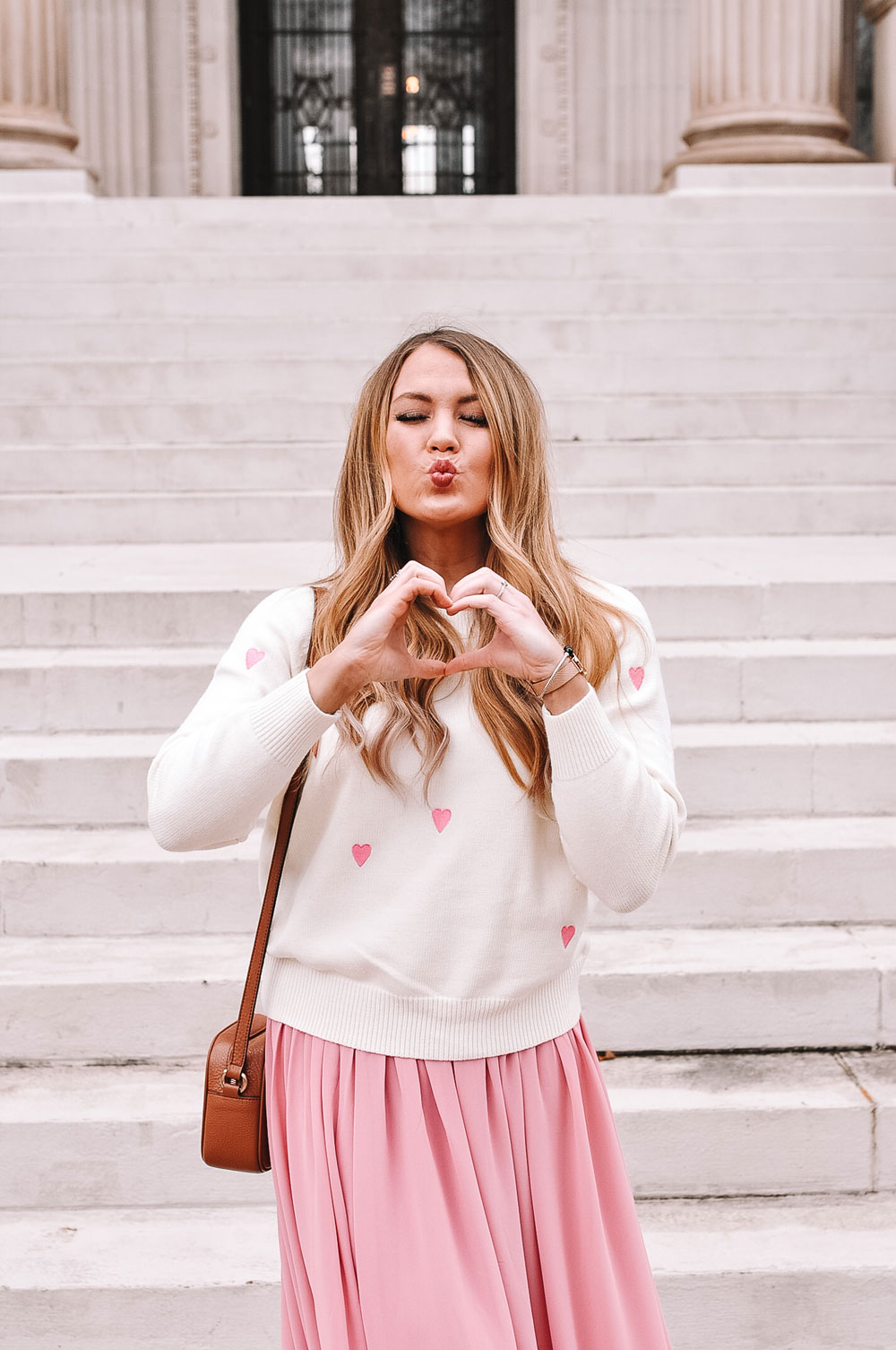 Oklahoma blogger Amanda Martin shares tips on what to wear for Valentine's Day