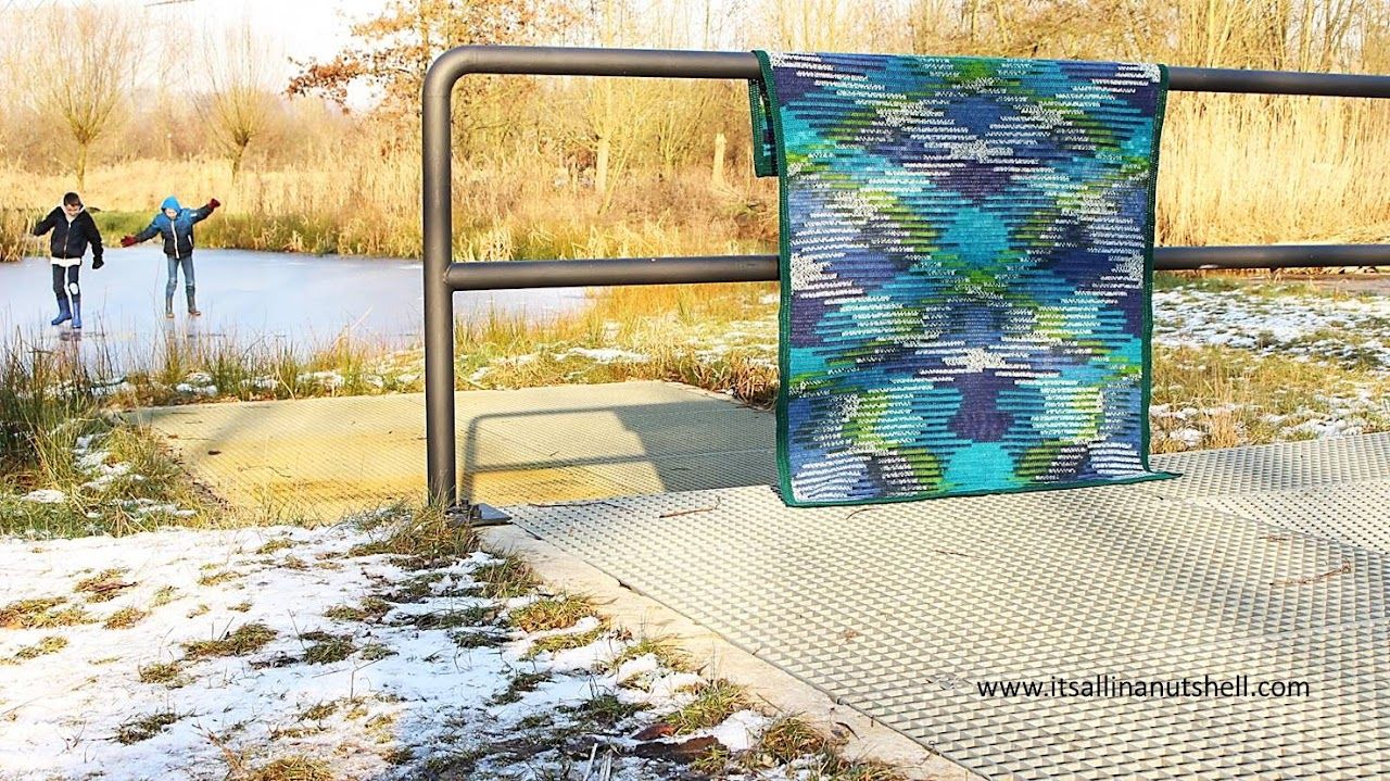 Ice Waves color pooling blanket - free crochet pattern by It's All In A Nutshell