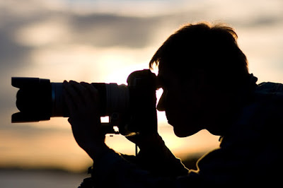 Bayaran seorang fotografer mahal karena mereka memiliki skill yang bagus, peralatan yang digunakanpun memiliki nominal harga yang mahal. Seorang fotografer profesional harus memiliki konsep yang sesuai dengan event yang dia kerjakan