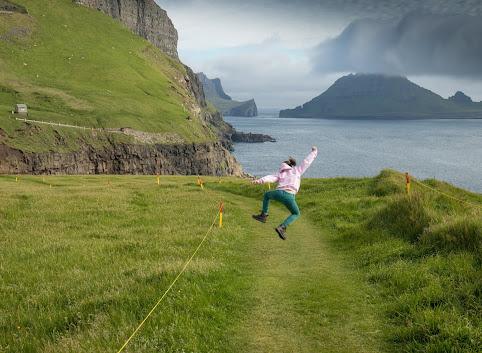 Wyspy Owcze praktycznie: jak podróżować i gdzie spać na Farojach