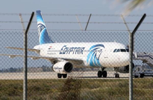 Pesawat EgyptAir Dirampas, Semua Penumpang Dibebaskan Kecuali 4 Warga Asing Dan Kru!